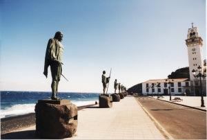 statues (2)
